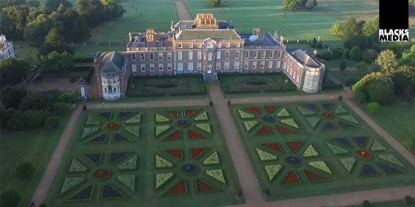 aerial photography of Wimpole Hall