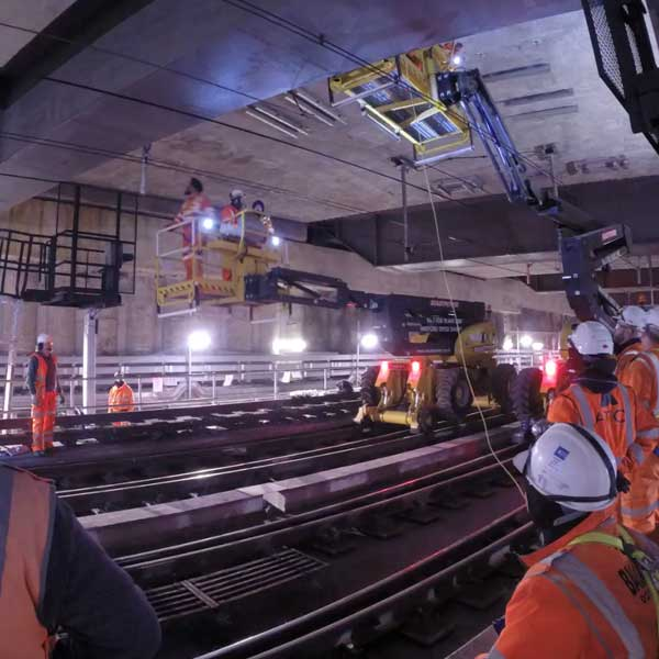 workforce timelapse in tunnel